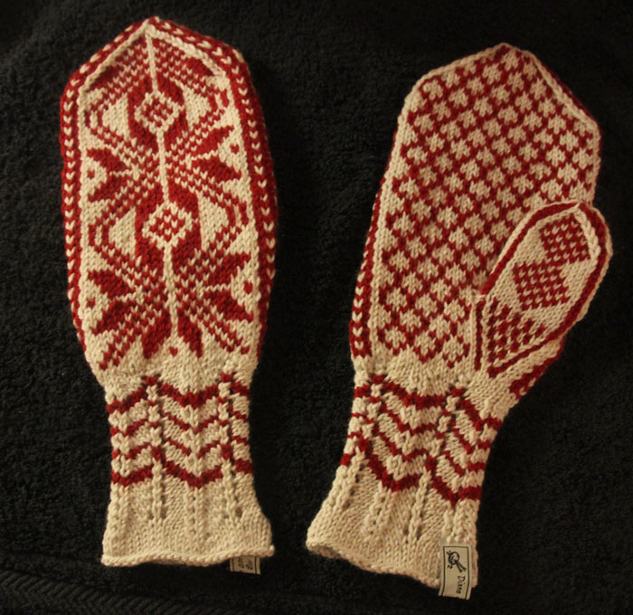 Scandinavian Knitting Patterns : The Story of the Selbu Mitten   Selbuvotten ThorNews