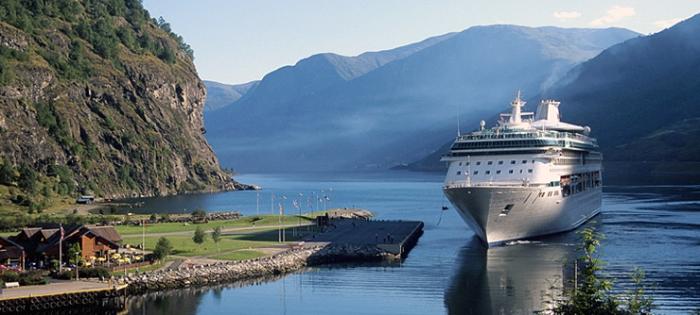 Cruise Ship Flaam Aurlandsfjord