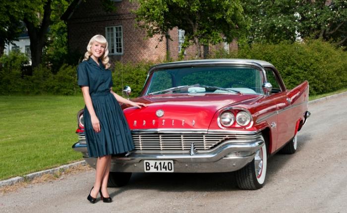 1957 Chrysler Saratoga 2 door Hardtop