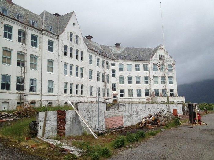 Luster Sanatorium solgt 1