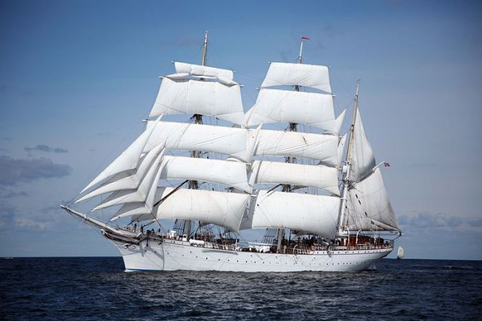 """Statsraad Lemkuhl"" - Proud Norwegian Sailing Ship"