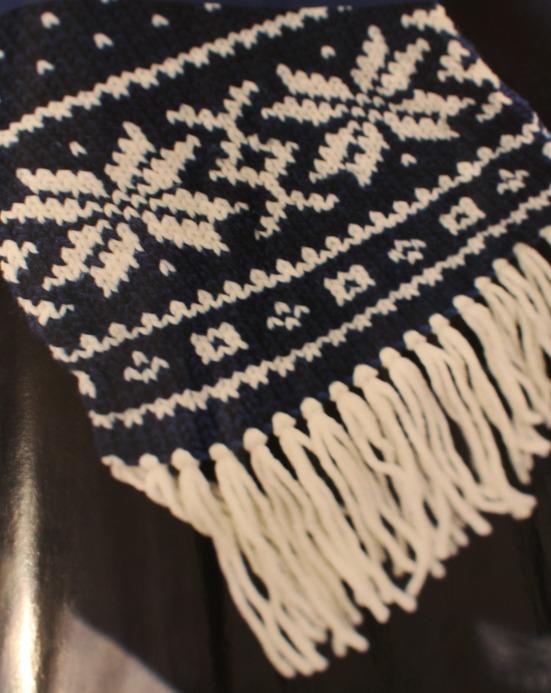 Traditional Knitting Pattern Beautiful Scarf With Selbu Rose