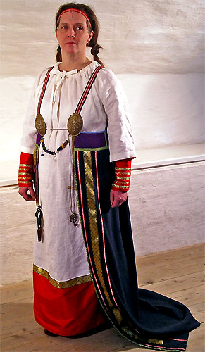 Female Viking Dress Sweden