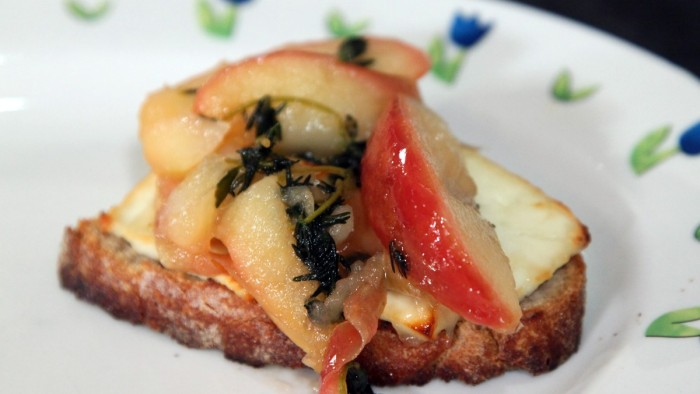 Baked Goat Cheese with Caramelized Apples