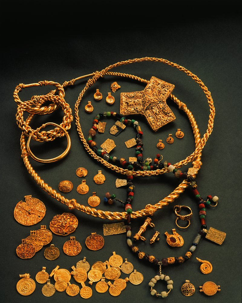 the hoen viking age gold treasure