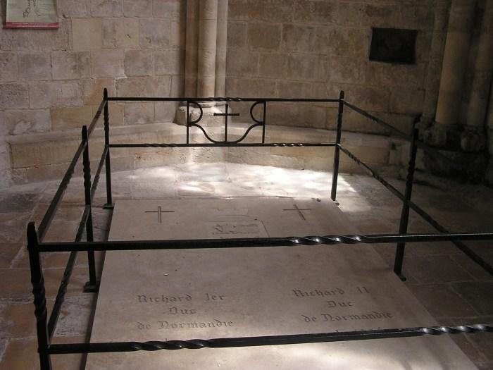 Ducs' graves, Trinity Church, Fecamp
