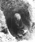 Sitting Grave Viking 1